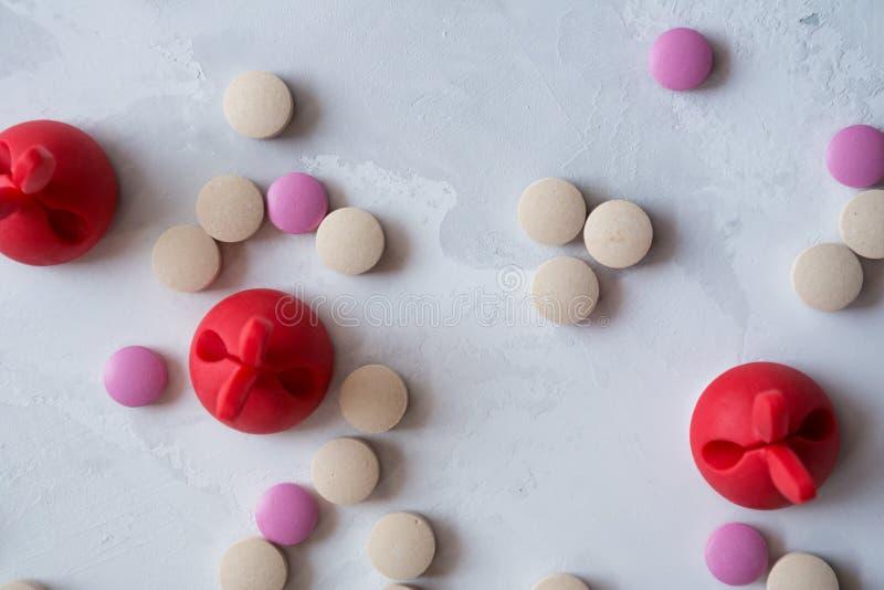 Medicina: pillole e vitamine fotografia stock libera da diritti