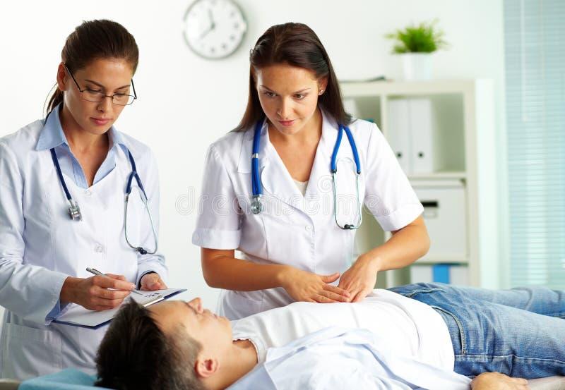 Medicinsk behandling royaltyfria bilder