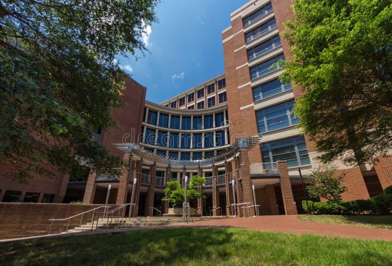 Medicinsk Biomolecular forskningbyggnad på denkapell kullen royaltyfria foton