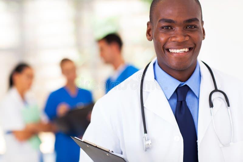Medico afroamericano immagini stock libere da diritti