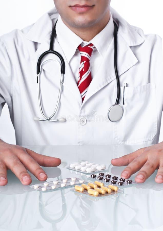 Medico con le droghe immagini stock
