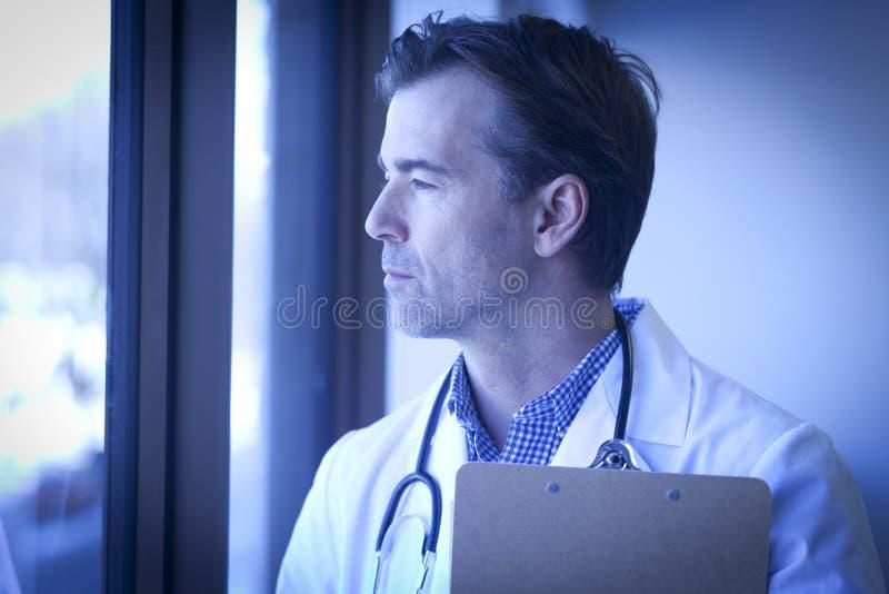 Medico depresso fotografie stock libere da diritti