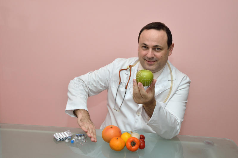 Medico ed alimento sano fresco immagini stock libere da diritti