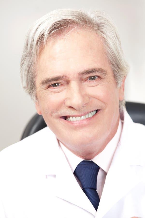 Medico nella clinica di oftalmologia fotografia stock libera da diritti