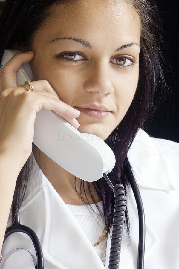 Medico sul telefono immagine stock libera da diritti
