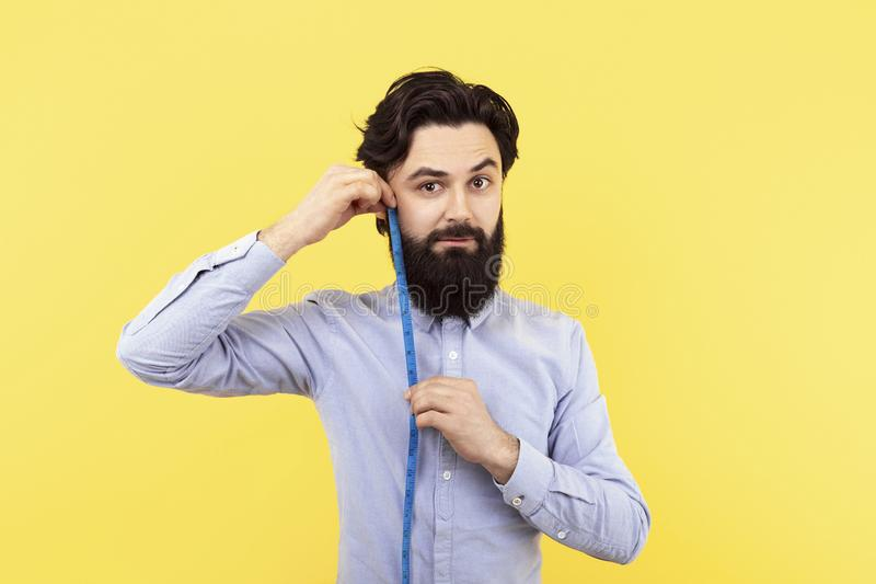 Medida de la longitud de la barba imagenes de archivo