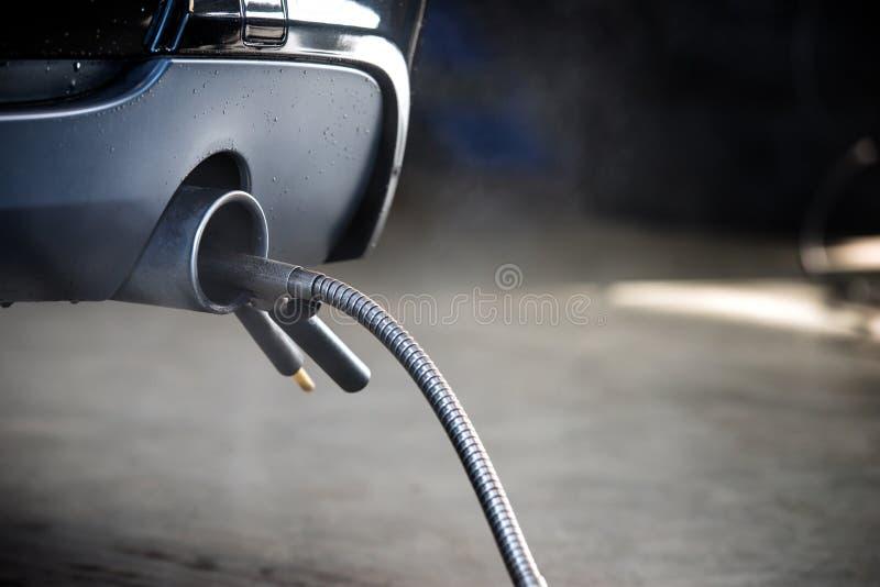 Medida do diagnóstico da exaustão do motor diesel imagem de stock
