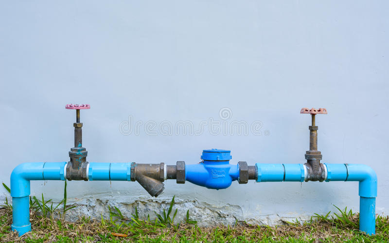 Medidor de água e encanamento foto de stock royalty free