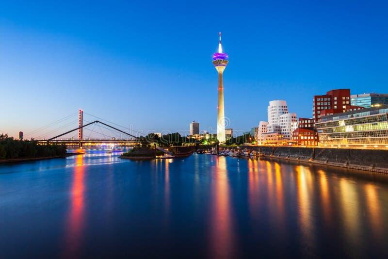 Medienhafen-Medien beherbergten Bezirk, Dusseldorf lizenzfreies stockfoto