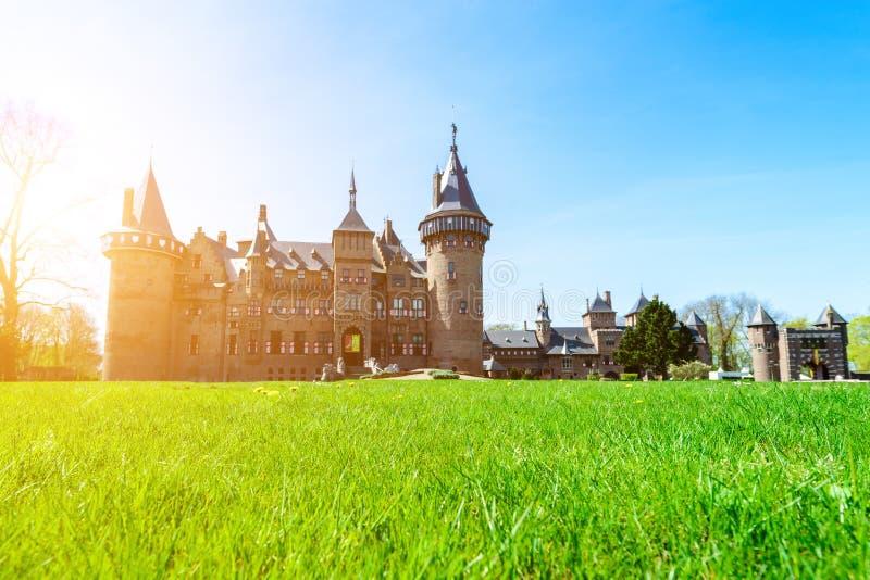 Medieval bonito, fantasia, castelo antigo de Holland De Haar em s fotografia de stock
