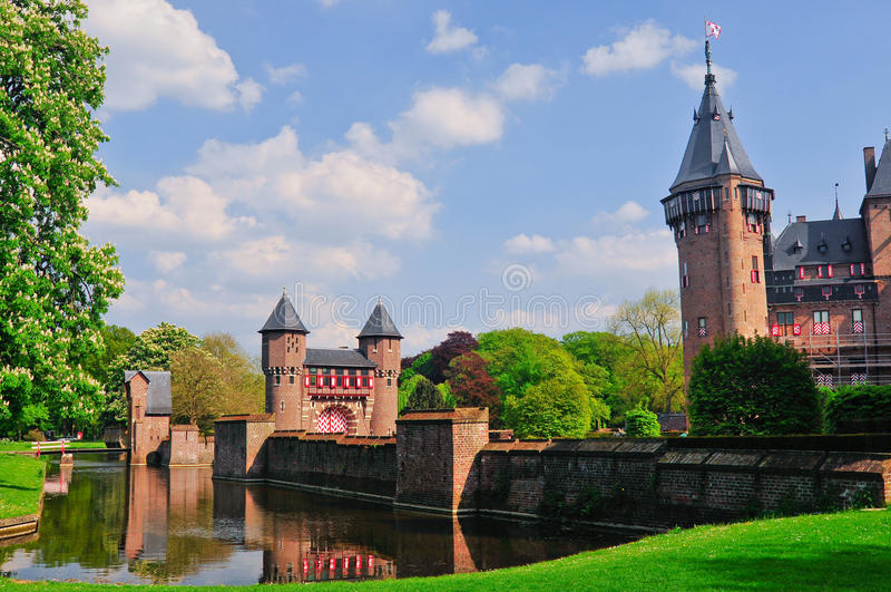 Download Medieval Castle De Haar, Netherlands Editorial Stock Image - Image: 19183509