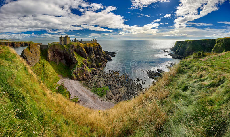 Medieval fortress Dunnottar Castle (Aberdeenshire, Scotland) stock image