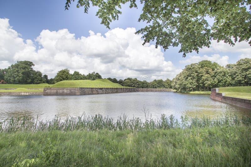 Medievel-Fort Naarden-Bekleiden lizenzfreies stockbild
