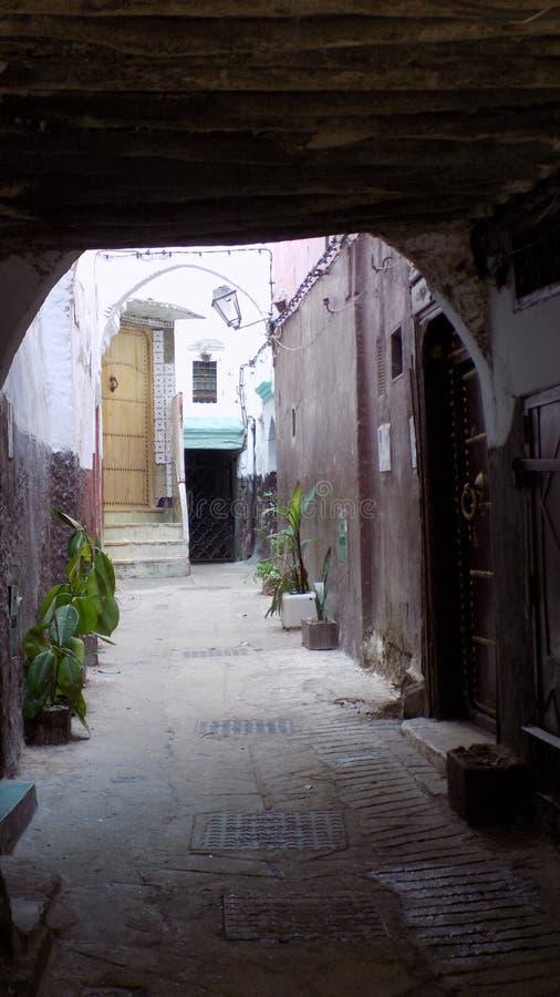 Medina de rua-Marrocos Tetouan-típico fotografia de stock