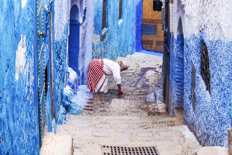 Medina di Chefchaouen, Marocco ha notato per le sue costruzioni in tonalit? del blu fotografie stock libere da diritti