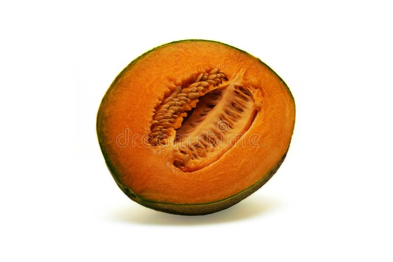 Medio melón de ligamaza aislado en blanco imagenes de archivo
