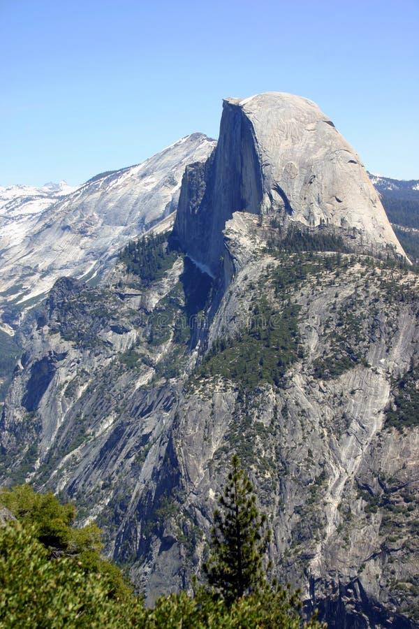 Medio parque nacional majestuoso de Bóveda-Yosemite foto de archivo