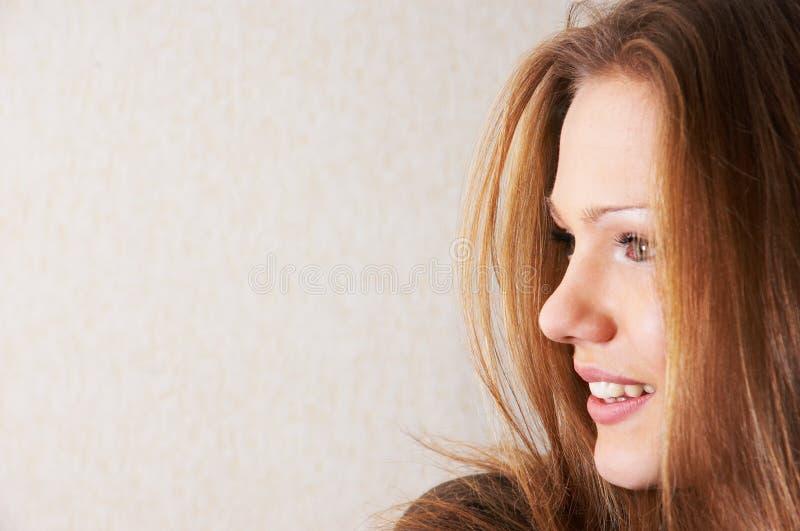Medio retrato de la cara de la muchacha hermosa foto de archivo libre de regalías