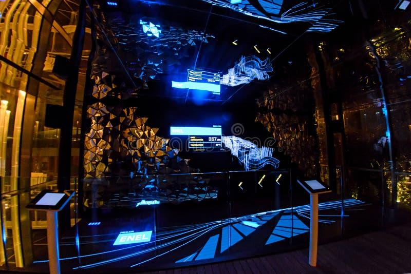 Mediolan Włochy, Październik, - 20th, 2015: Nowa oświetleniowa technologia kontrolująca komputerem zdjęcia stock