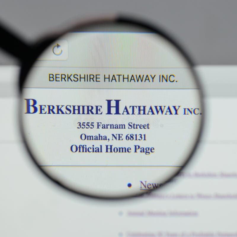 Mediolan Włochy, Sierpień, - 10, 2017: Berkshire Hathaway logo na w obrazy royalty free