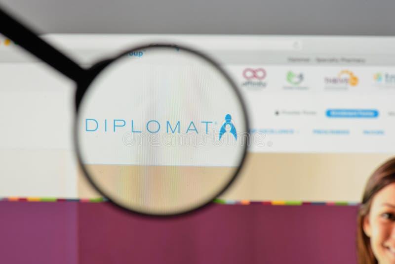 Mediolan Włochy, Sierpień, - 10, 2017: Dyplomata apteki logo na my fotografia royalty free