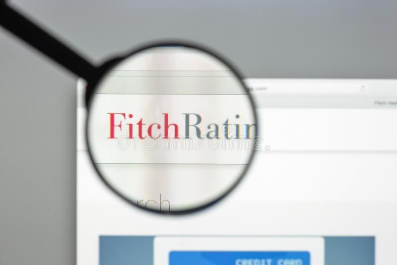 Mediolan Włochy, Sierpień, - 10, 2017: Fitch ocen strony internetowej homepage zdjęcie stock