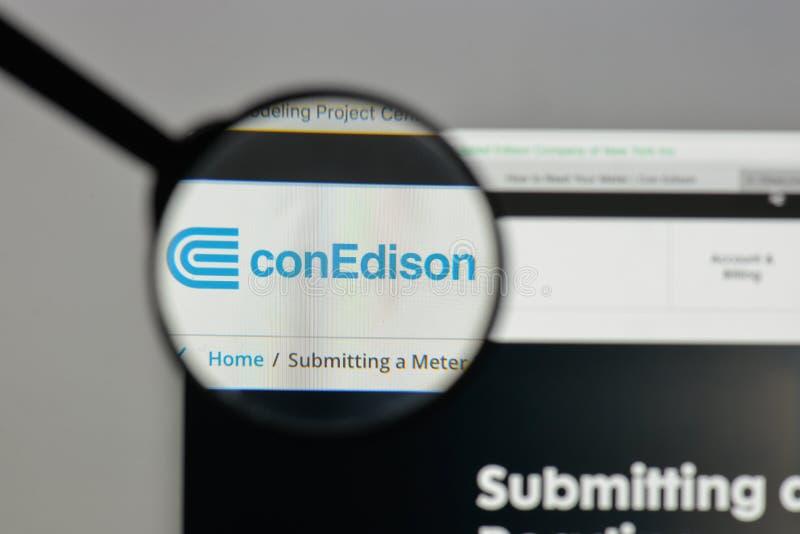 Mediolan Włochy, Sierpień, - 10, 2017: Konsolidujący Edison logo na obraz stock