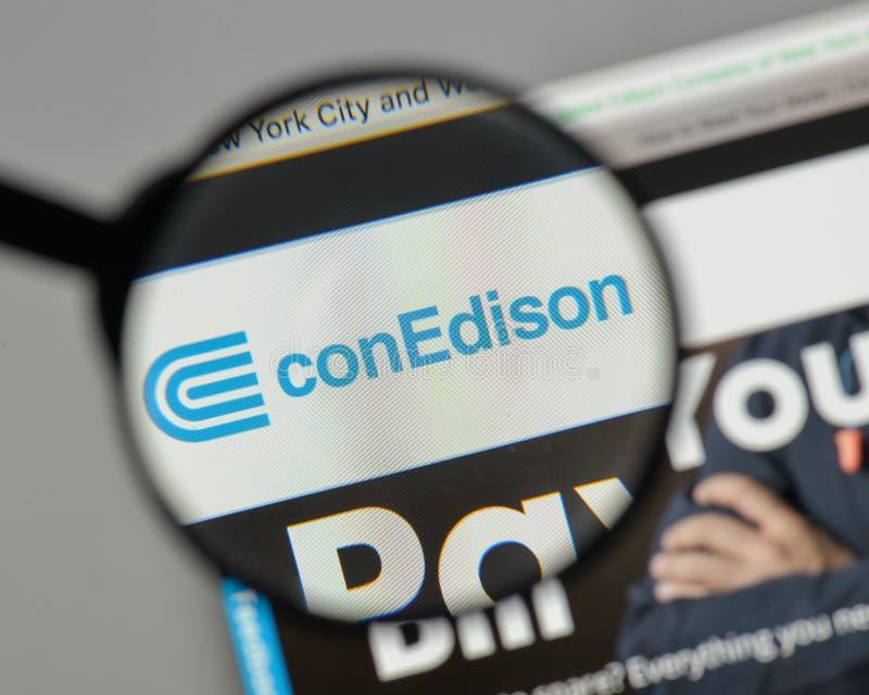 Mediolan Włochy, Sierpień, - 10, 2017: Konsolidujący Edison logo na obraz royalty free