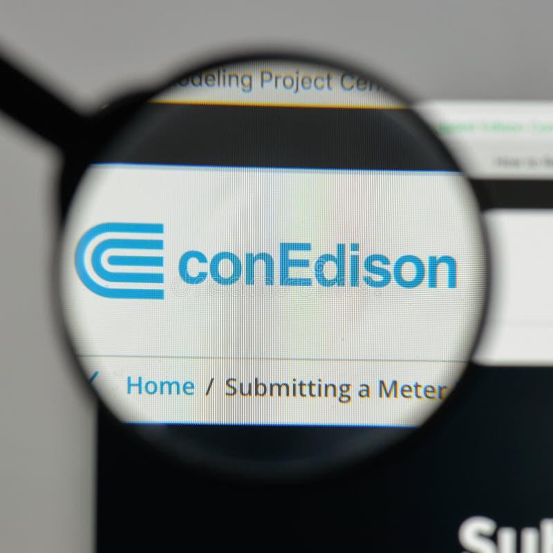 Mediolan Włochy, Sierpień, - 10, 2017: Konsolidujący Edison logo na fotografia royalty free
