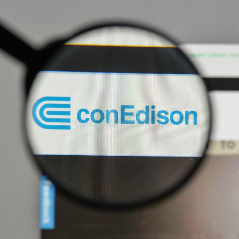 Mediolan Włochy, Sierpień, - 10, 2017: Konsolidujący Edison logo na zdjęcie royalty free