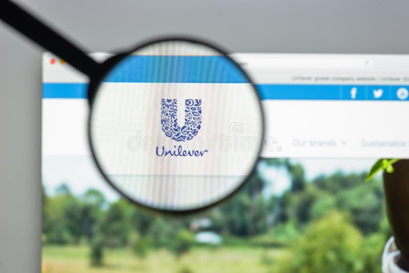 Mediolan Włochy, Sierpień, - 10, 2017: Unilever strony internetowej homepage Ja jest obraz stock