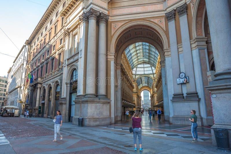 Mediolan, Włochy - 14 08 2018: Vittorio Emanuele II galeria przy piazza Del Duomo w Mediolan obraz royalty free