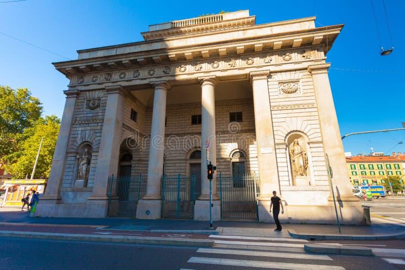 MEDIOLAN WŁOCHY, Wrzesień, - 06, 2016: Uliczny widok piękny historyczny punkt zwrotny - Porta Venezia obraz stock