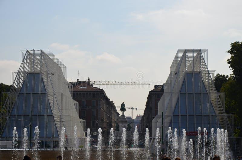Mediolan, W?ochy - 10 05 2015: Ewidencyjny budynek dla expo 2015 w Mediolan obraz royalty free