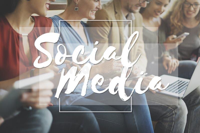 Medios concepto social de la charla del establecimiento de una red de la conexión fotos de archivo libres de regalías