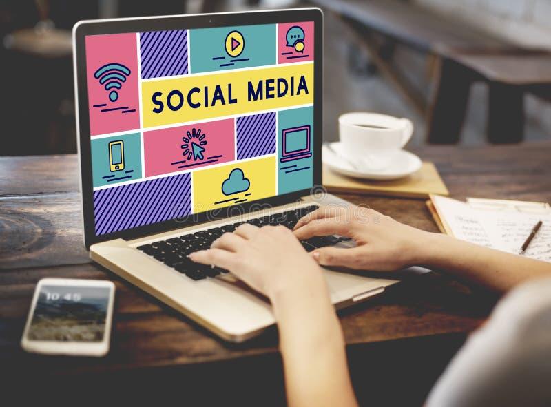 Medios concepto social del gráfico de la gente de la tecnología fotografía de archivo libre de regalías