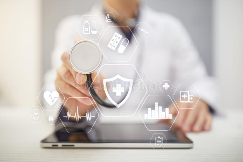 MEDISCH concept Bescherming van de gezondheid Moderne technologie in geneeskunde stock afbeeldingen