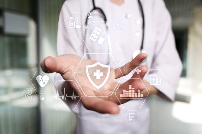 MEDISCH concept Bescherming van de gezondheid Moderne technologie in geneeskunde royalty-vrije stock afbeeldingen