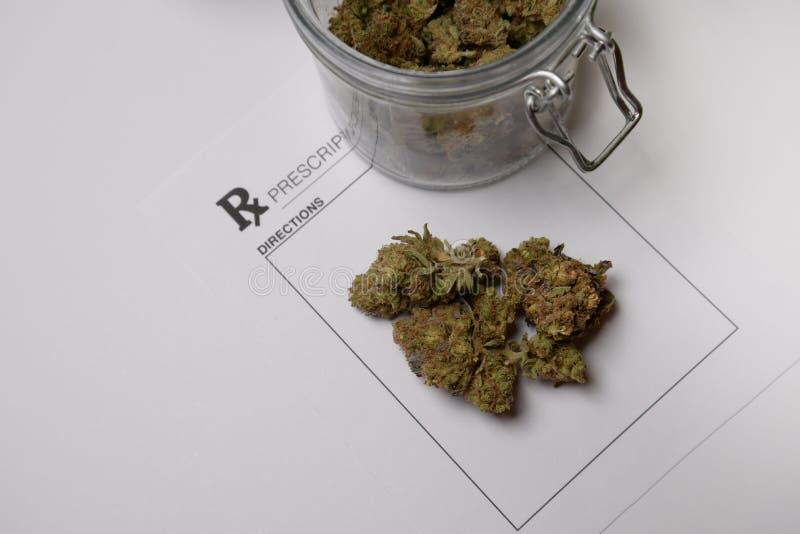 Medisch marihuanavoorschrift stock foto