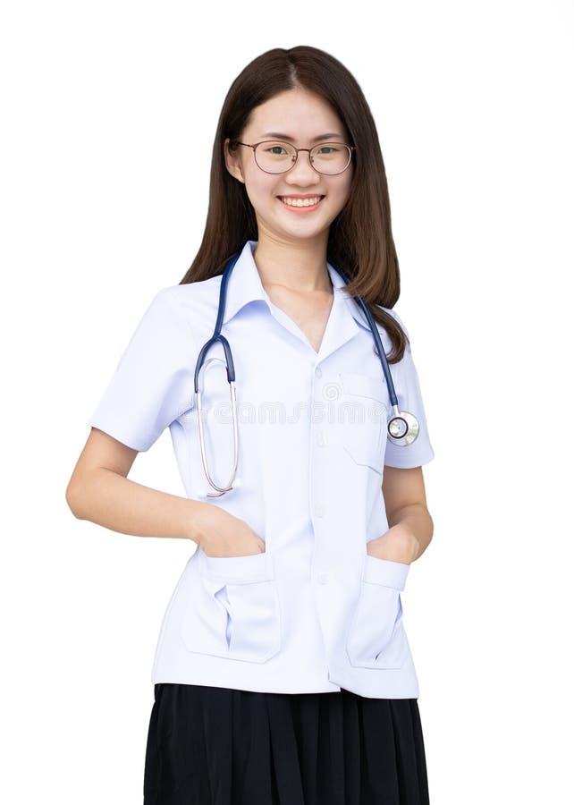 Medische die arts artsenvrouw op witte achtergrond wordt geïsoleerd stock foto's