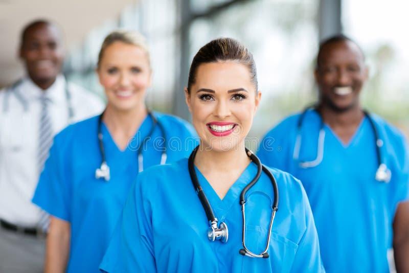 Medische verpleegsterscollega's stock foto's