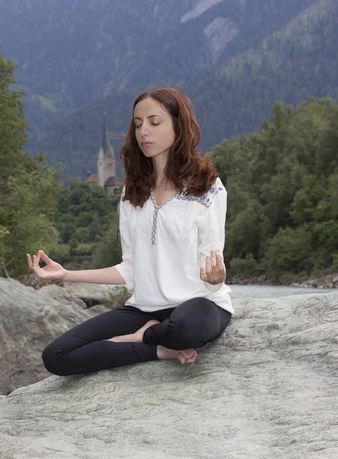 Meditação ao ar livre fotografia de stock royalty free