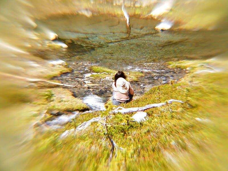 Download Meditação de Streamside foto de stock. Imagem de se, assento - 67082