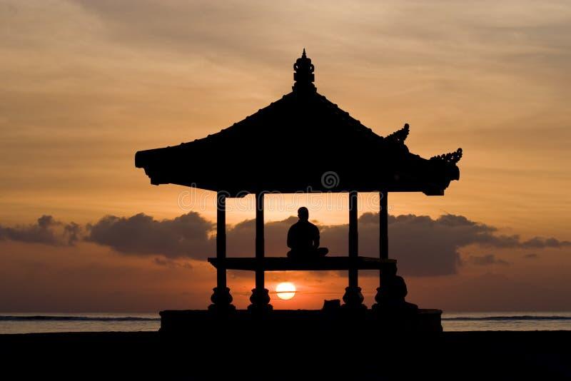 Meditación el Sun foto de archivo libre de regalías