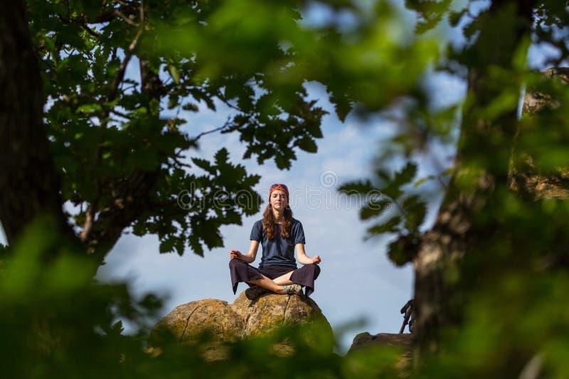 Meditatie stock afbeeldingen
