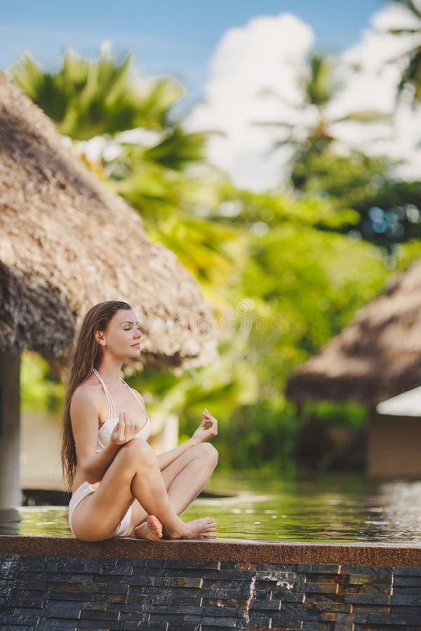Meditatie terwijl op vakantie in Hawaï royalty-vrije stock foto