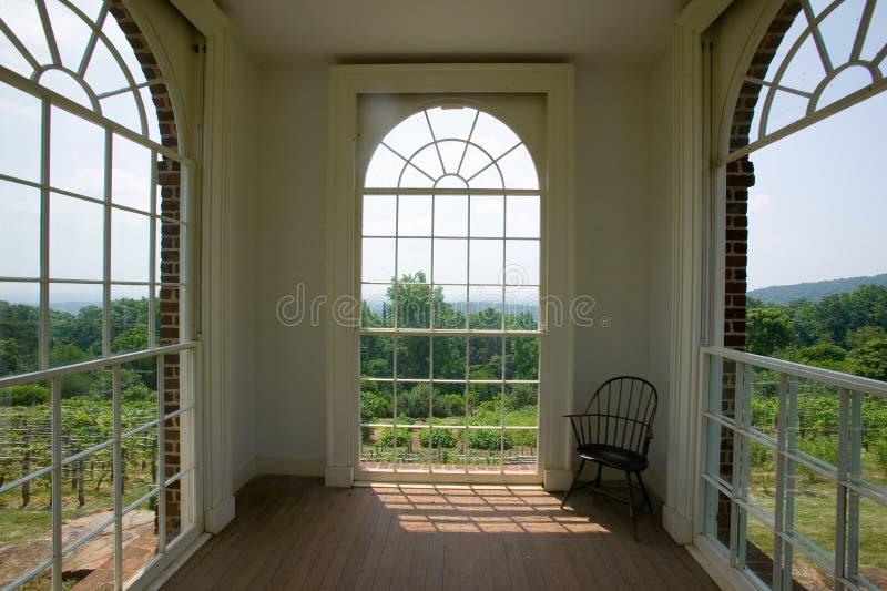 Meditatievlek voor Thomas Jefferson in tuinen van Monticello, in Charlottesville, Virginia stock fotografie