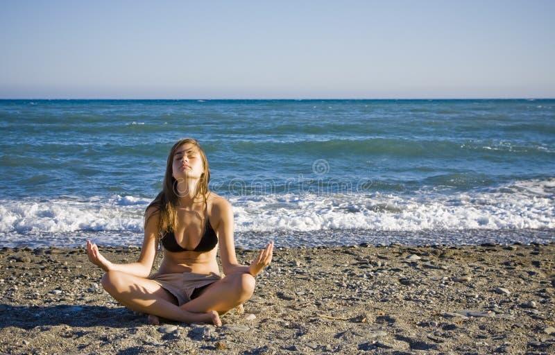 Meditating novo fotos de stock
