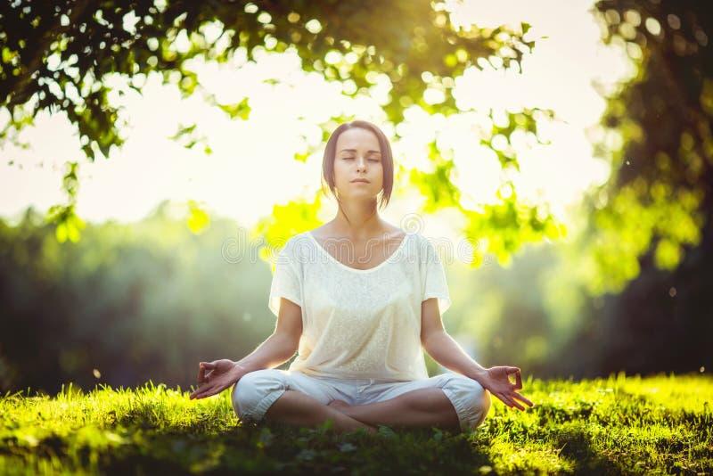 meditation royaltyfri bild