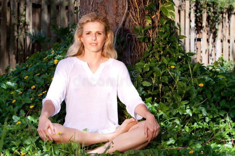 Meditation und Yoga stockbilder